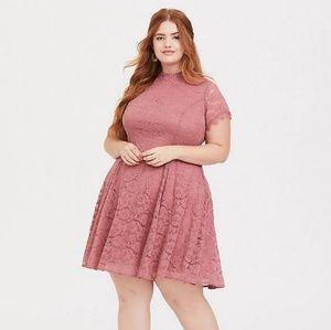 ROSE PINK LACE HIGH NECK TRAPEZE DRESS